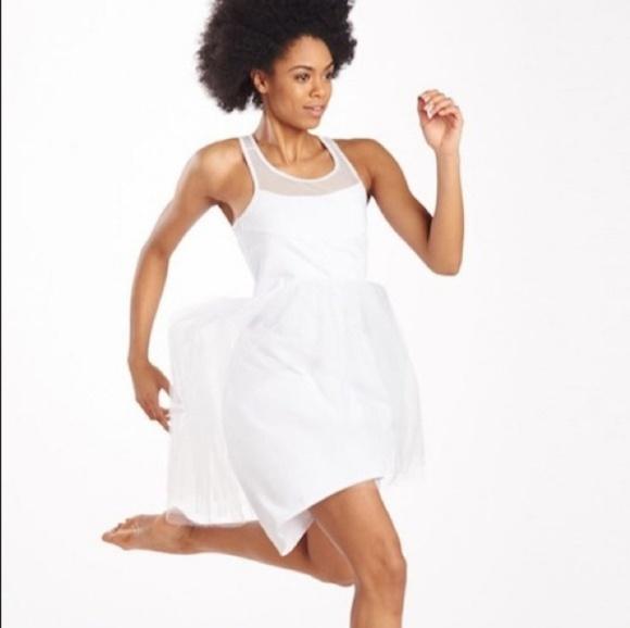 Oiselle Runaway Bride running wedding dress